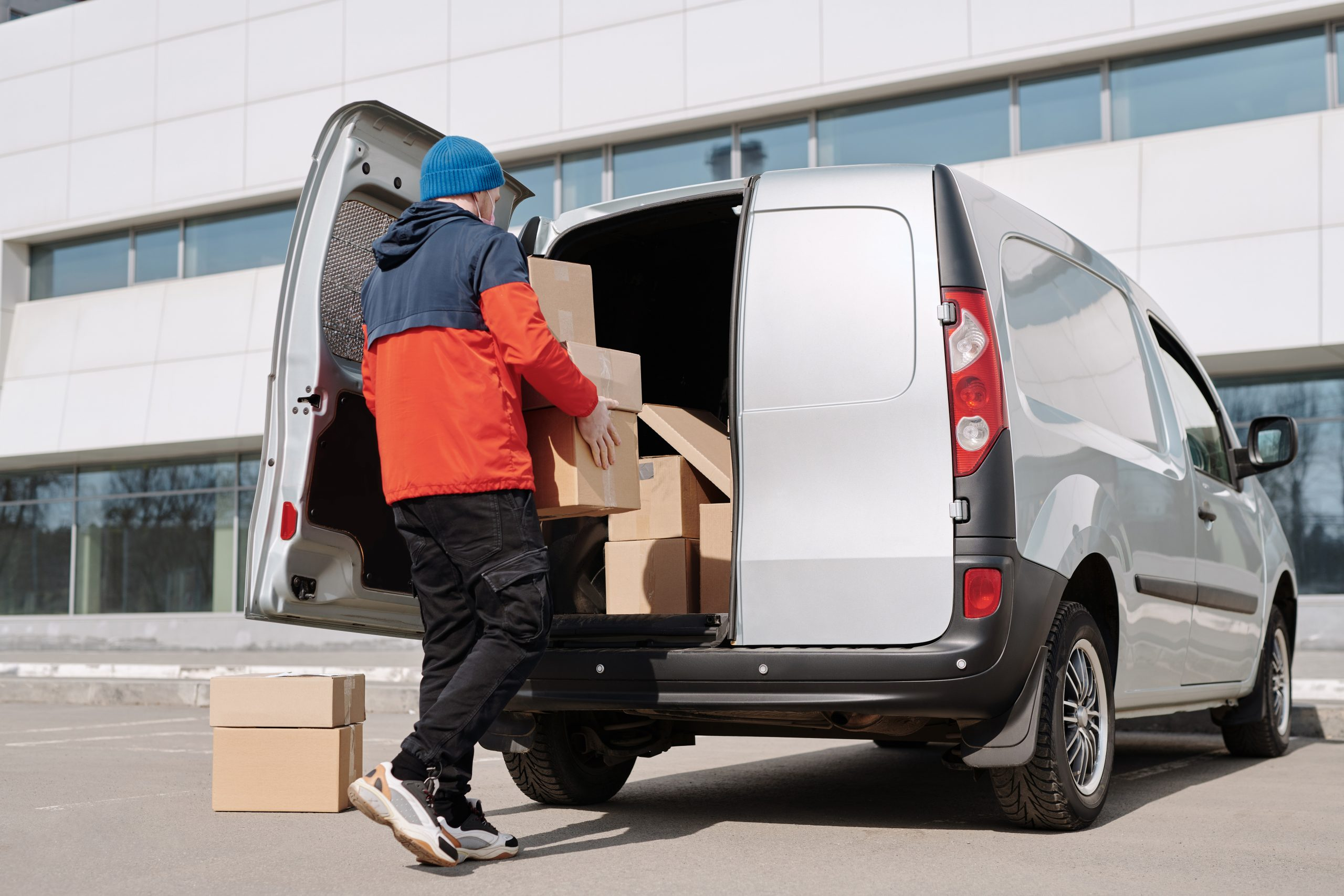6 Best Small Vans for Your Business